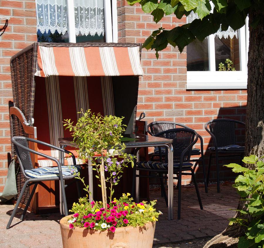 Auf der Terrasse im Hotel zum alten Bahnhof in Blunk bei Bad Segeberg